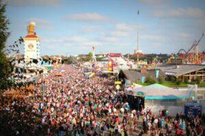 Read more about the article Ein unvergessliches Erlebnis: Besuchen Sie das Oktoberfest